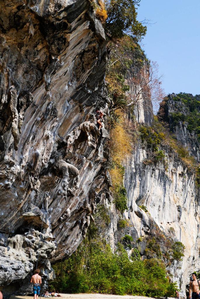 rock climber in tonsai thailand