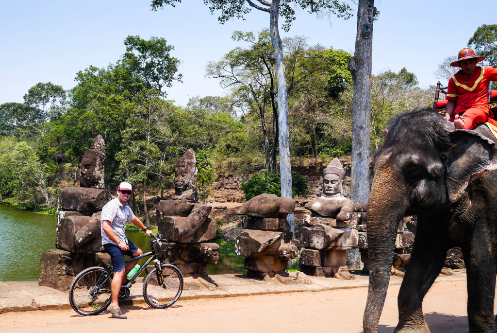 grasshopper tours angkor wat siem reap cambodia