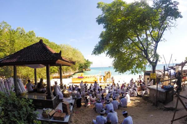 bali religious ceremony