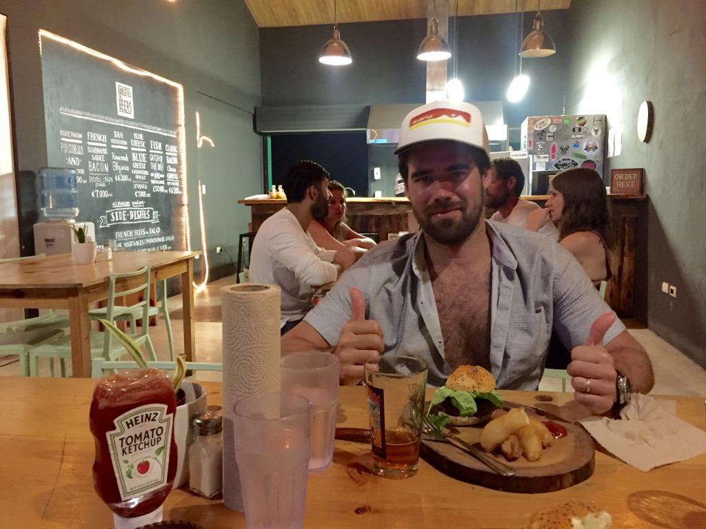 burger and beer playa guiones